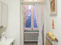 Koupelna s výhledem do zahrady2.NP - Prodej domu v osobním vlastnictví 320 m², České Budějovice