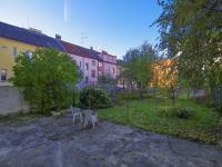 Pohled do zahrady směrem od domu  - Prodej domu v osobním vlastnictví 320 m², České Budějovice