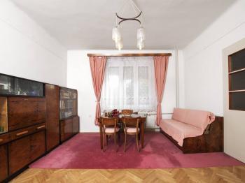 Obývací pokoj 1.NP - Prodej domu v osobním vlastnictví 320 m², České Budějovice