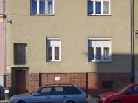 Předokenní rolety na oknech směrem do ulice  - Prodej domu v osobním vlastnictví 320 m², České Budějovice