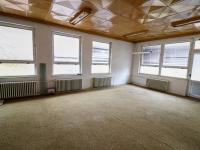 Administrativní část v pavilonech č. 4 a 5 - Prodej komerčního objektu 7165 m², Vacov