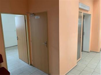 Pronájem komerčního prostoru (kanceláře) v osobním vlastnictví, 15 m2, Strakonice