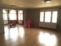 byt ve 3.np (Prodej domu v osobním vlastnictví 746 m², Krnov)