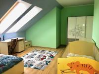 dětský pokoj (Prodej bytu 3+kk v osobním vlastnictví 100 m², Čeladná)