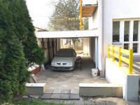 parkování v průjezdu (Prodej nájemního domu 120 m², Ostrava)