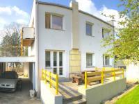 zadní strana domu (Prodej nájemního domu 120 m², Ostrava)