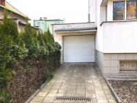 garáž (Prodej nájemního domu 120 m², Ostrava)