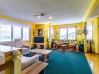 obývací pokoj v 1. patře (Prodej domu v osobním vlastnictví 150 m², Metylovice)