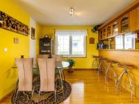 jídelna v 1. patře (Prodej domu v osobním vlastnictví 150 m², Metylovice)