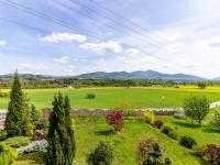výhled na Beskydy (Prodej domu v osobním vlastnictví 150 m², Metylovice)