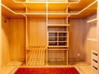 šatna (Pronájem bytu 4+1 v družstevním vlastnictví 140 m², Ostrava)