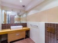 koupelna č.2 (Pronájem bytu 4+1 v družstevním vlastnictví 140 m², Ostrava)
