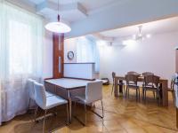 pohled z kuchyně do jídelny (Pronájem bytu 4+1 v družstevním vlastnictví 140 m², Ostrava)