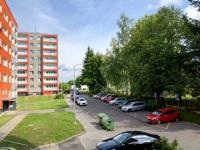 parkoviště před domem (Prodej bytu 2+1 v družstevním vlastnictví 45 m², Ostrava)