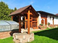 venkovní posezení (Prodej domu v osobním vlastnictví 225 m², Stará Huť)