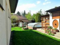 bazén (Prodej domu v osobním vlastnictví 225 m², Stará Huť)