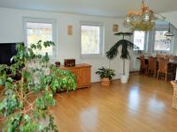 pohled z obývacího pokoje (Prodej domu v osobním vlastnictví 225 m², Stará Huť)