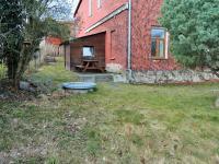 venkovní posezení, dřevěná kůlna (Pronájem domu 400 m², Korkyně)