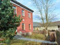 pohled ke vstupu (Pronájem domu 400 m², Korkyně)