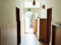 zádveří (Pronájem domu 400 m², Korkyně)