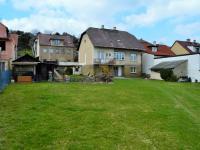 pohled na dům ze zahrady - Prodej domu v osobním vlastnictví 214 m², Zdice