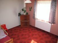 Dětský pokoj - Prodej domu v osobním vlastnictví 116 m², Lety