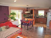 Obývací pokoj, jídelní a kuchyňský kout - Prodej domu v osobním vlastnictví 116 m², Lety
