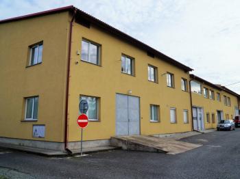 administrativní budova - Pronájem komerčního objektu 2252 m², Nový Knín