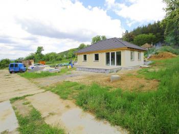 Prodej domu v osobním vlastnictví 196 m², Lhota u Příbramě