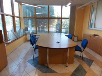 Pronájem komerčního objektu 180 m², Košťany