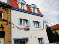 Prodej nájemního domu 355 m², Hrob
