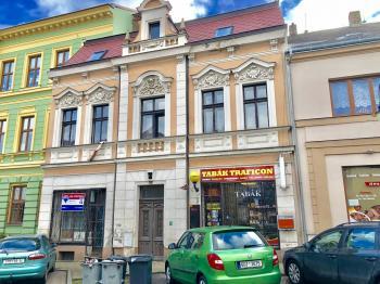 Prodej nájemního domu 300 m², Bílina