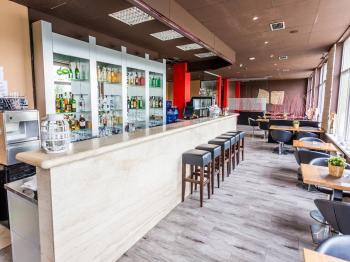 restaurace - Pronájem restaurace 576 m², Obrnice