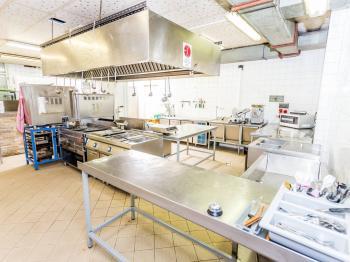 kuchyň - Pronájem restaurace 576 m², Obrnice