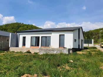 Prodej domu v osobním vlastnictví 184 m², Teplice