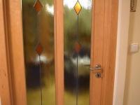 Detail dveří (Prodej bytu 1+1 v osobním vlastnictví 49 m², Roztoky)