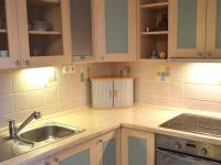 Kuchyně 2 (Prodej bytu 1+1 v osobním vlastnictví 49 m², Roztoky)