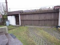 vjezdová vrata (Prodej domu v osobním vlastnictví 120 m², Kamenice)