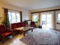 s výstupem na terasu (Prodej domu v osobním vlastnictví 120 m², Kamenice)
