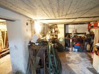 sklep (Prodej domu v osobním vlastnictví 120 m², Kamenice)