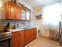 kuchyň v 1. podlaží (Prodej domu v osobním vlastnictví 213 m², Roztoky)