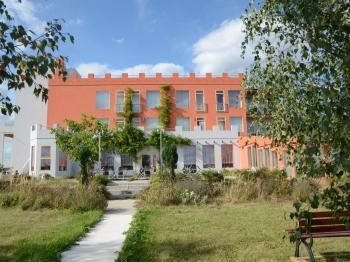 pohled na penzion - Prodej penzionu 927 m², Dlouhá Lhota