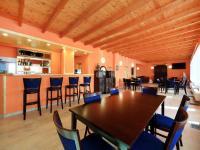 restaurace s barem - Prodej penzionu 927 m², Dlouhá Lhota