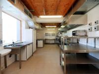 kuchyně - Prodej penzionu 927 m², Dlouhá Lhota
