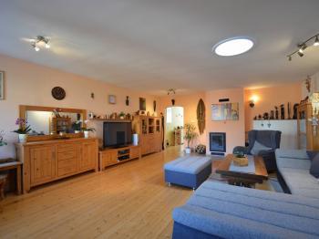 4+1 obývací místnost - Prodej domu v osobním vlastnictví 320 m², Holubice