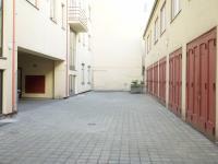 vnitroblok (Prodej bytu 2+kk v osobním vlastnictví 30 m², Praha 1 - Nové Město)