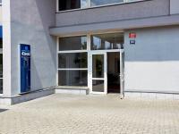 vchod do domu (Prodej bytu 2+kk v osobním vlastnictví 74 m², Praha 2 - Vinohrady)