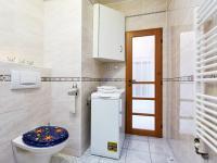 koupelna (Prodej bytu 2+kk v osobním vlastnictví 74 m², Praha 2 - Vinohrady)