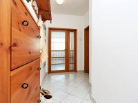 předsíň (Prodej bytu 2+kk v osobním vlastnictví 74 m², Praha 2 - Vinohrady)