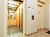2x výtah (Prodej bytu 2+kk v osobním vlastnictví 74 m², Praha 2 - Vinohrady)
